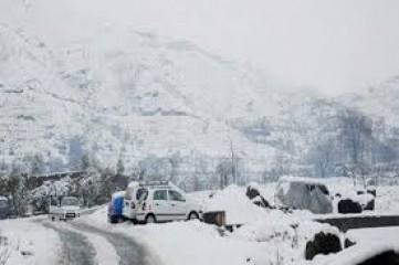 कश्मीर में कड़ाके की सर्दी, कई स्थानों पर तापमान शून्य से नीचे
