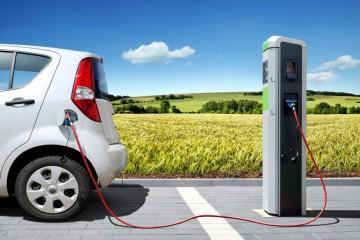 सरकार ने प्रमुख राजमार्गों पर ई-वाहन चार्जिंग स्टेशन विकसित करने के लिए प्रस्ताव आमंत्रित किये